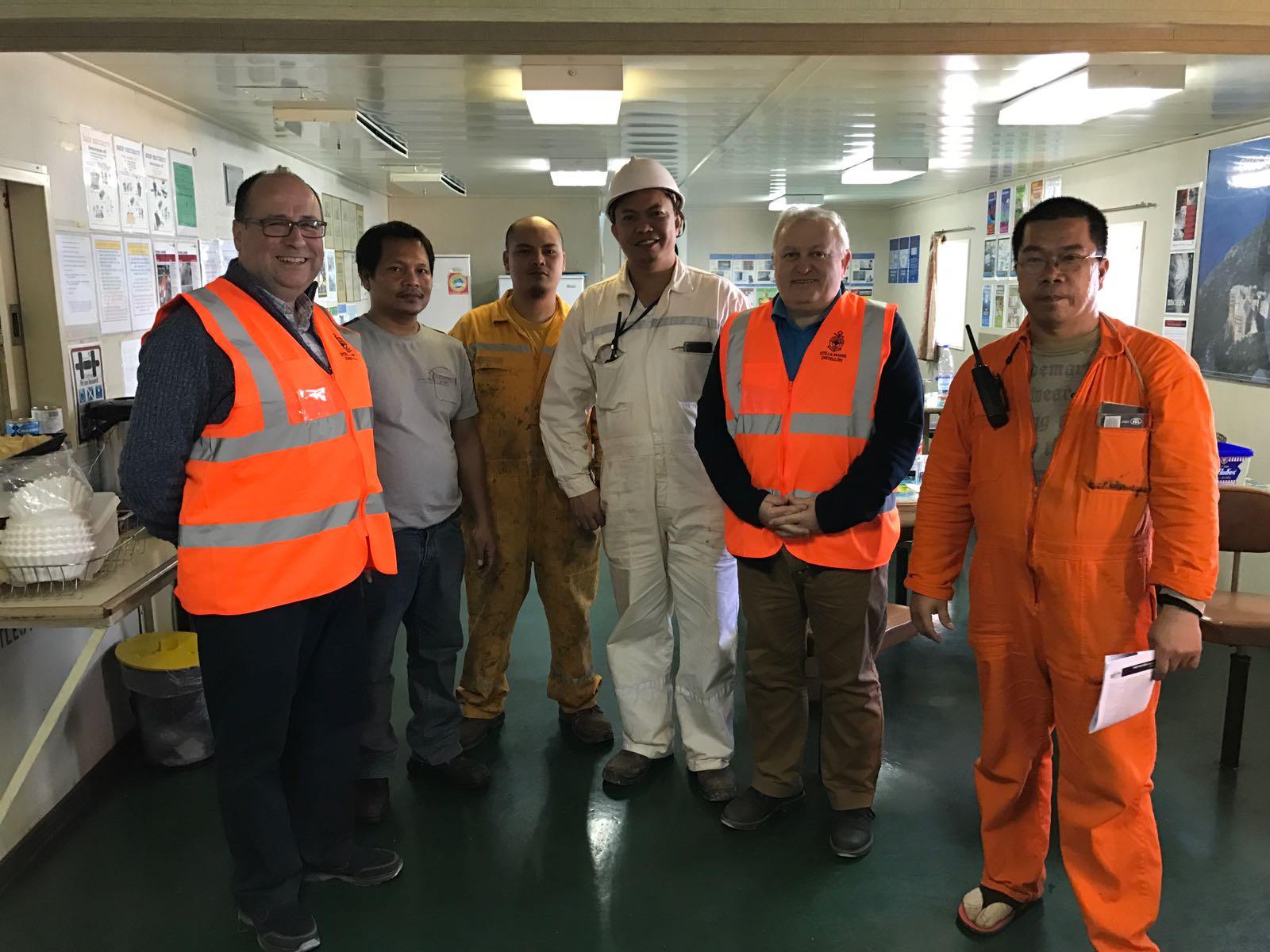 Visita a la tripulación del buque Mastro Mitros